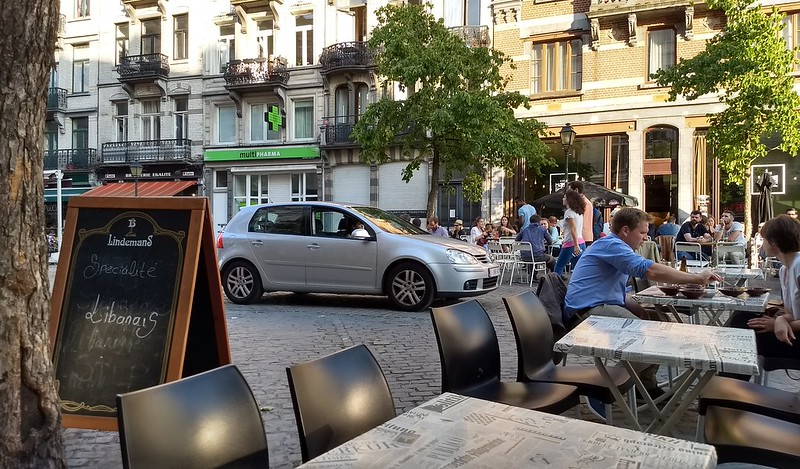 Brussels - Clueless motorists enter pedestrian mall