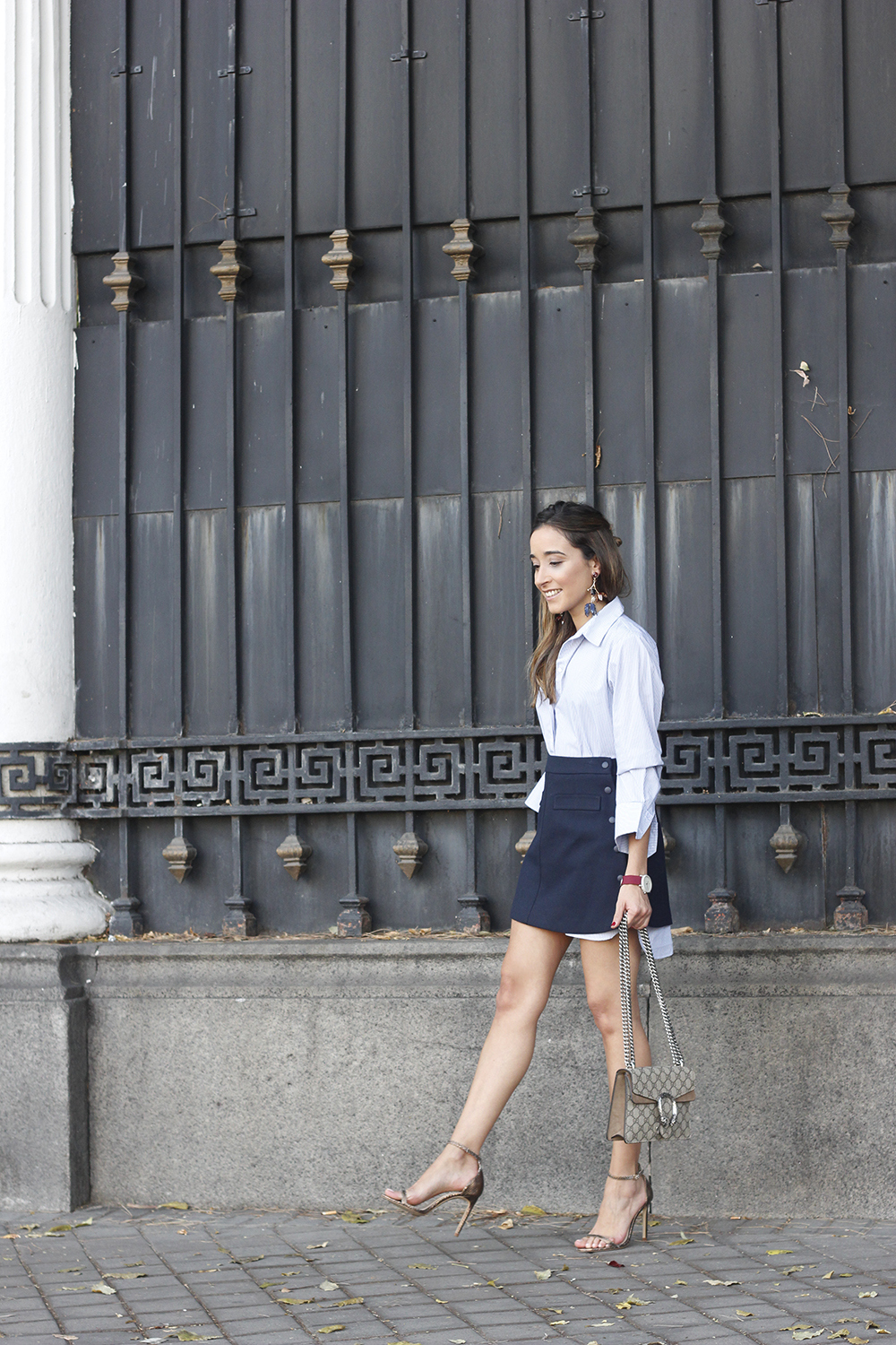 striped shirt blue navy skirt gucci bag heels outfit fashion style04