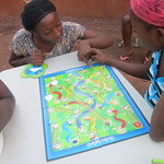 dream-home-kids-play-board-games10