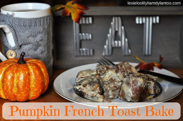 Delicious Pumpkin French Toast Bake with Pumpkin Cream Cheese Glaze! {Brueggers Bagels Partner} #BrueggersBunch #Pumpkin #Fall #Breakfast #FrenchToast #Recipe