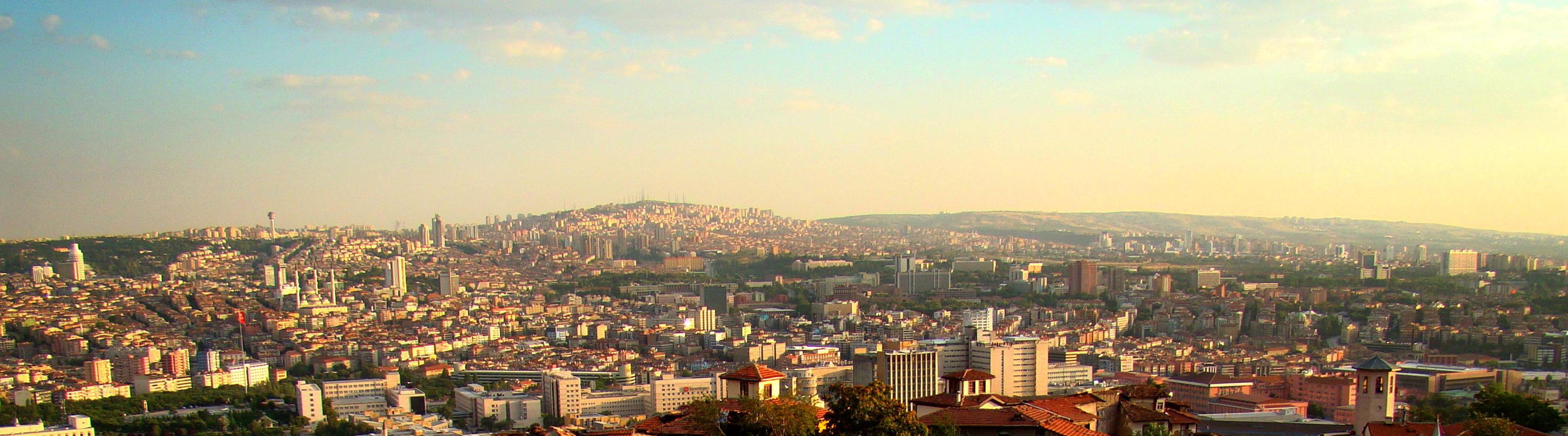 Ankara Kalesi'nden şehir panoraması