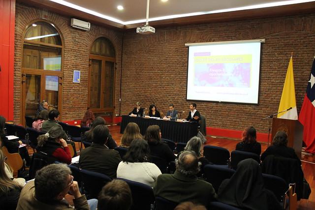 Seminario: Uso de TICs en escolares. Riesgos & oportunidades