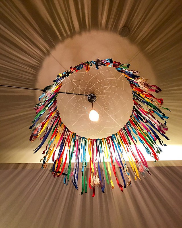 We loved the #dreamcatcher above the beds at @hotelgsingapore - it's not only #colourful but casts pretty #shadows on the #ceiling. #hotelgsingapore #hotel #singapore #travel #exploresingapore #sghotel