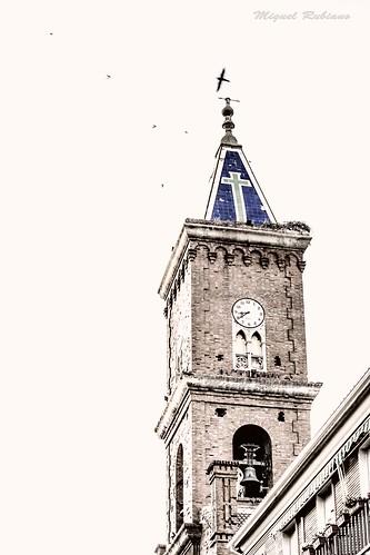 El campanario de la Iglesia de Santa Bárbara