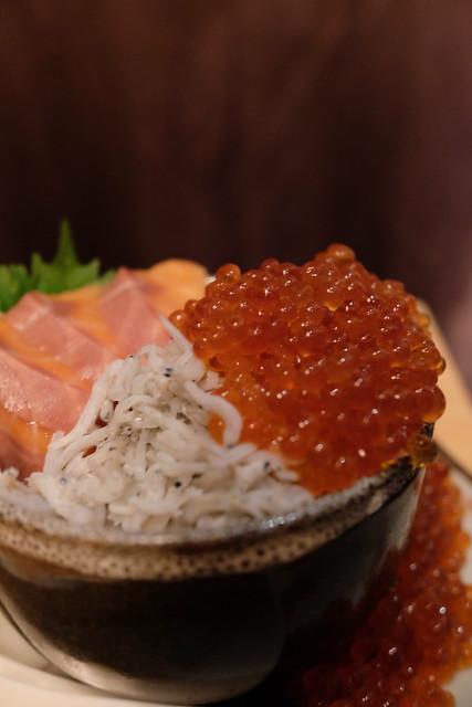 鮭としらすのイクラ溢れ飯