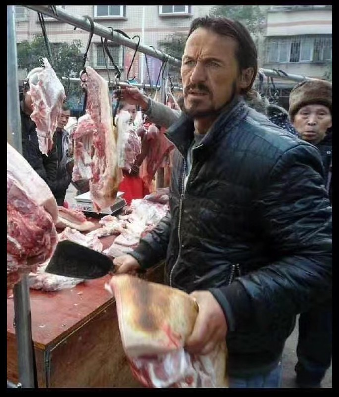 Game of Thrones / Chinese Street Vendor mashup