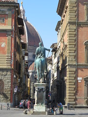 Cosimo I and his horse (from the back)