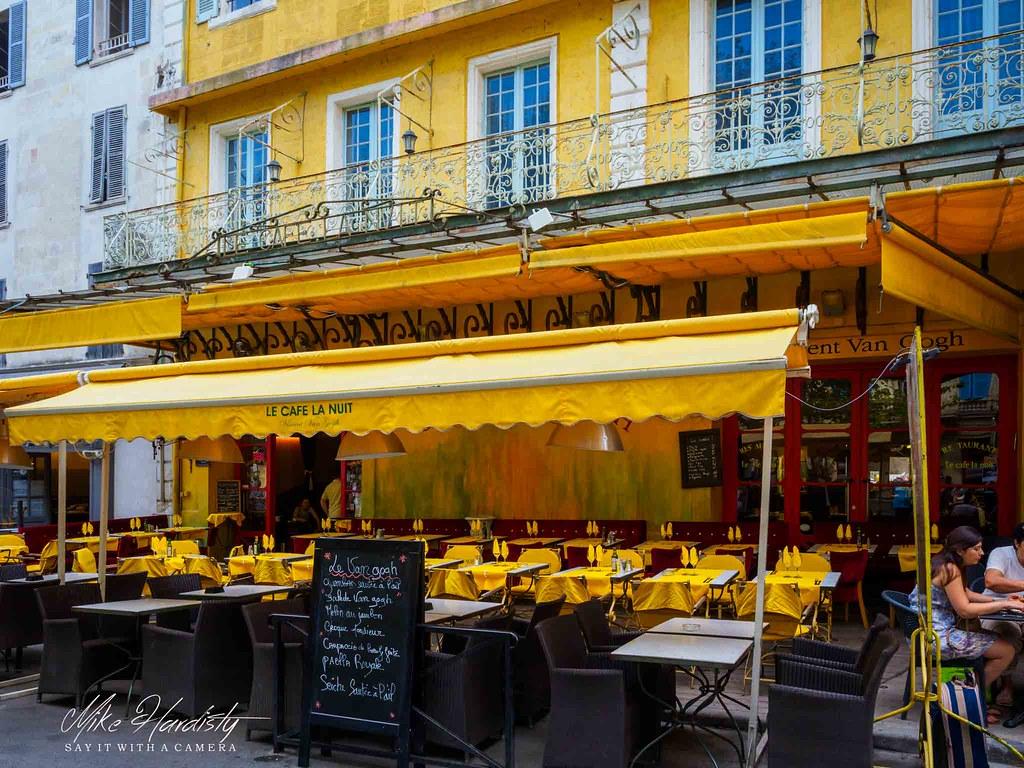 Le Cafe La Nuit