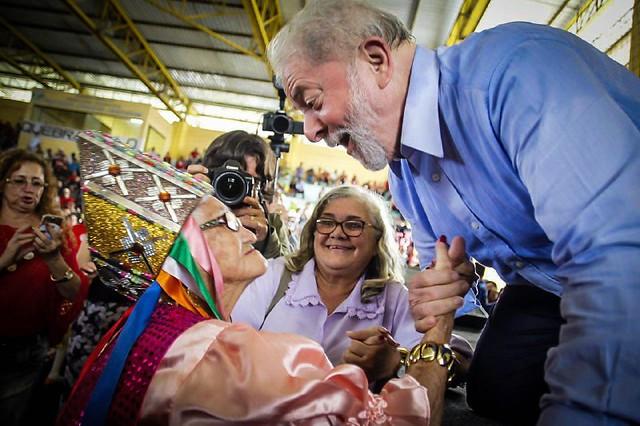"""""""Uneal foi agredida por formar professores indígenas e do campo"""", diz Lula em Alagoas"""