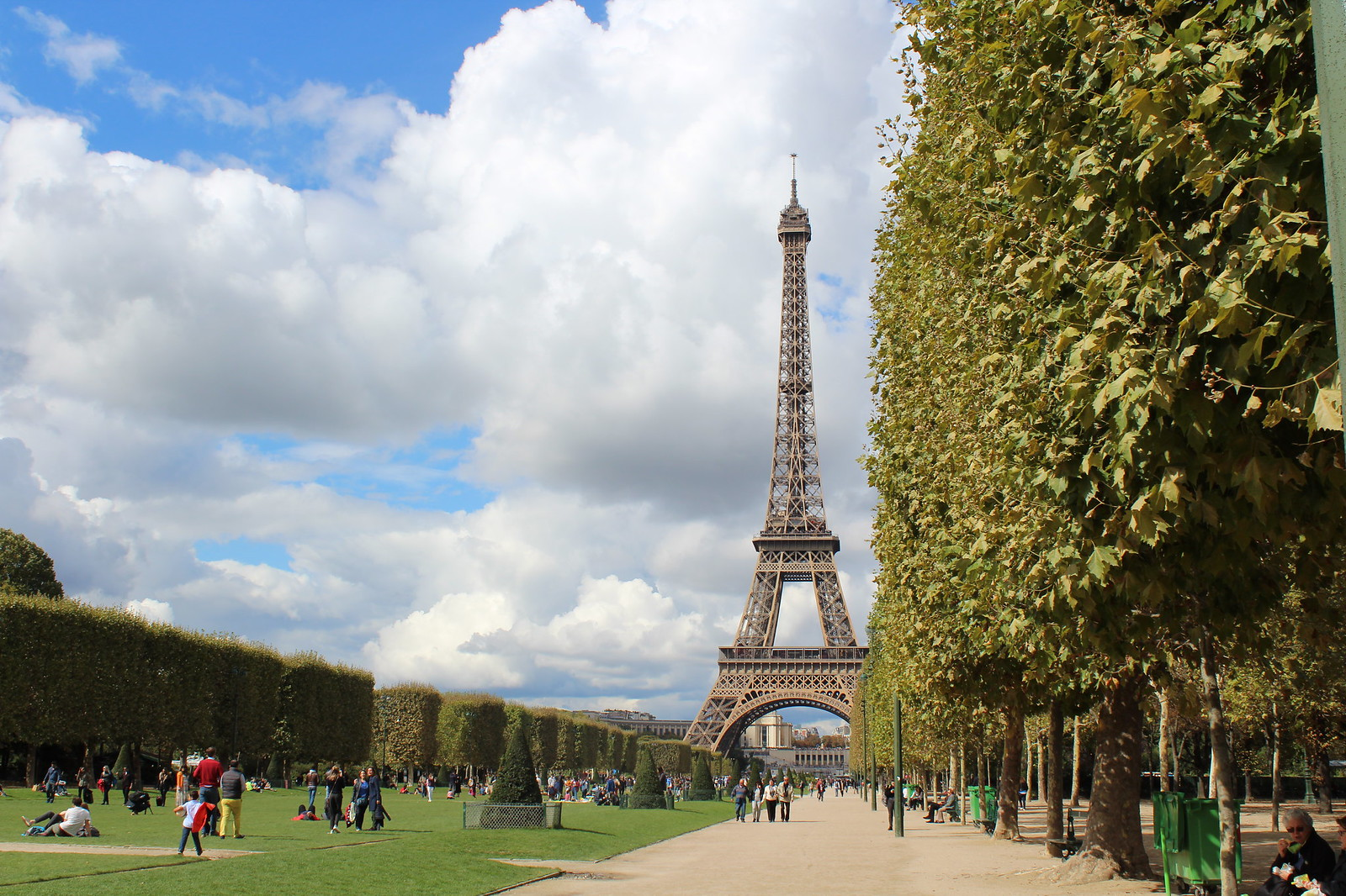 Paris citytrip june14thstudio must visit Eiffel tower tour eiffeltoren