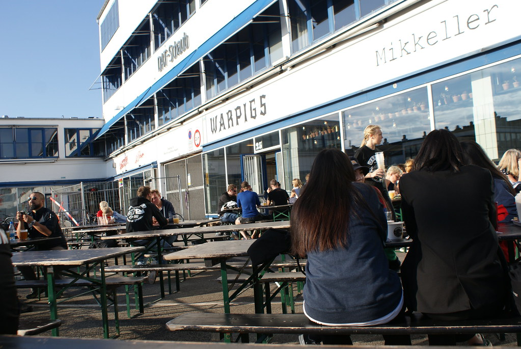 Terrasse du bar Warpigs dans Meat Packing district de Copenhague.
