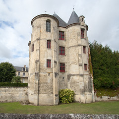 Le Donjon du Chateau de Vic-sur-Aisne - Photo of Pernant