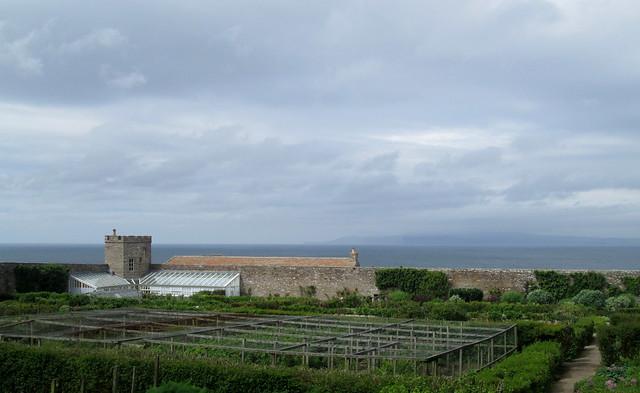 Castle of Mey garden + Hoy