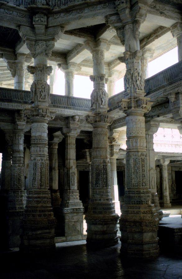 064-1TempeldecoratiesBikanerIndia1995