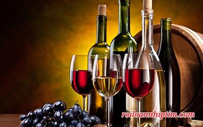 Nếu bạn bị rung nhĩ, không nên uống quá hai ly rượu mỗi ngày