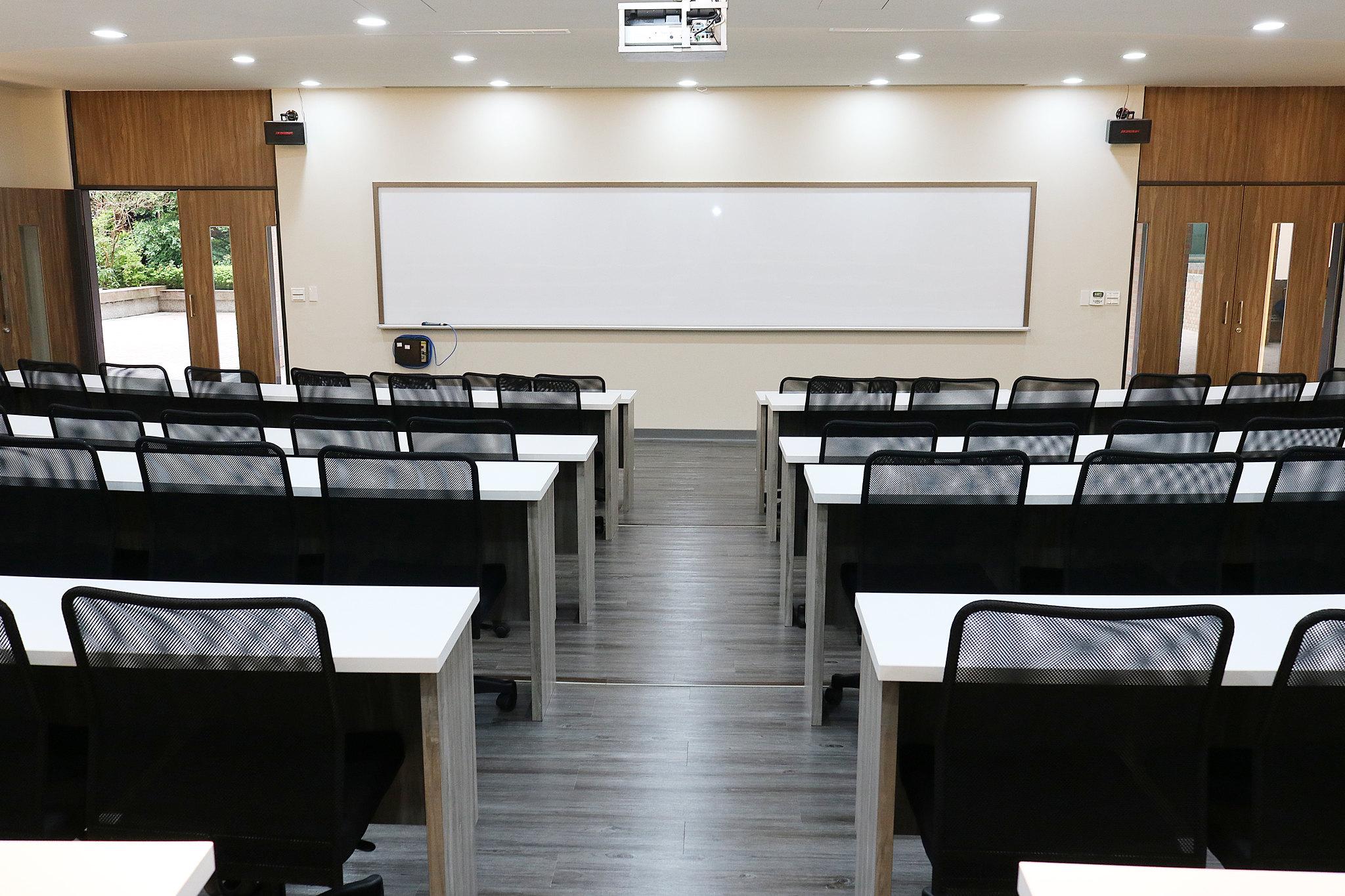 r階梯教室2