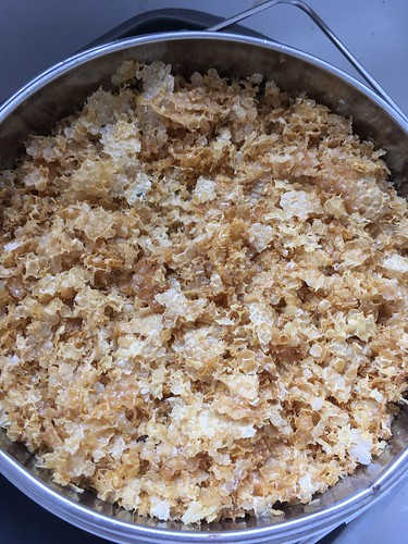 how to clean beeswax cappings
