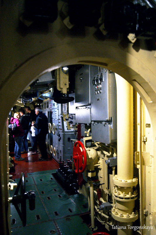 Проход внутри подводной лодки
