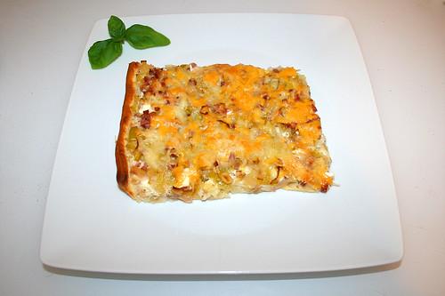 25 - Leek pie with feta - Served / Lauchkuchen mit Schafskäse - Serviert