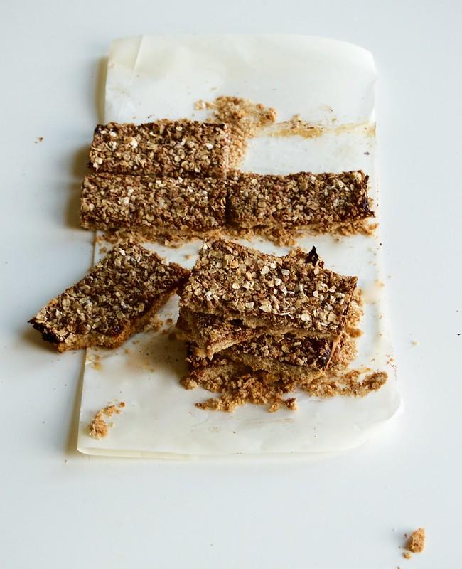 Vegan Toasted Almond Oat Jam Bars 3