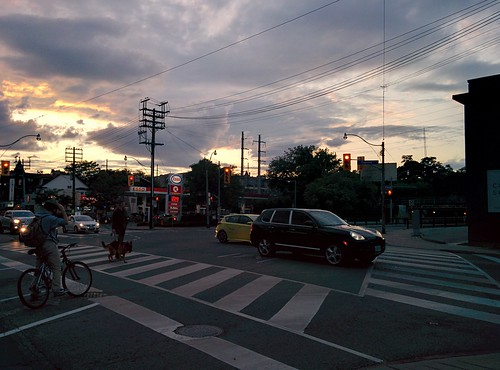 Nearly home, Dupont at Dufferin #toronto #evening #theannex #dupontstreet #davenportroad