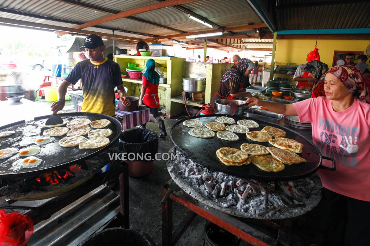 Roti Canai Kayu Arang Stall Melaka