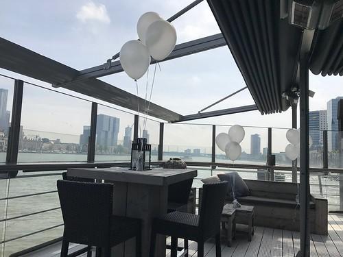 Tafeldecoratie 3ballonnen Eau Lounge Rotterdam