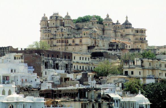 071-1UdaipurIndia1995