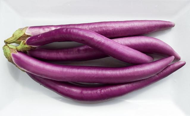 Lange, dunne aubergine