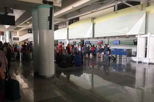 29 - Warteschlange - CheckIn Air Berlin - Puerto Plata