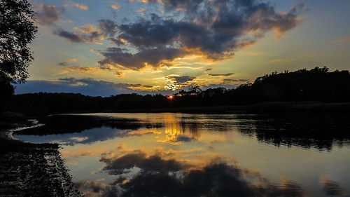 sunset sky sun clouds reflection river andrewlincolnphotographer massachusetts