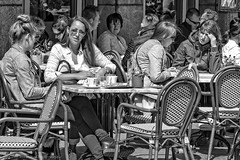 Street: Lunchtime