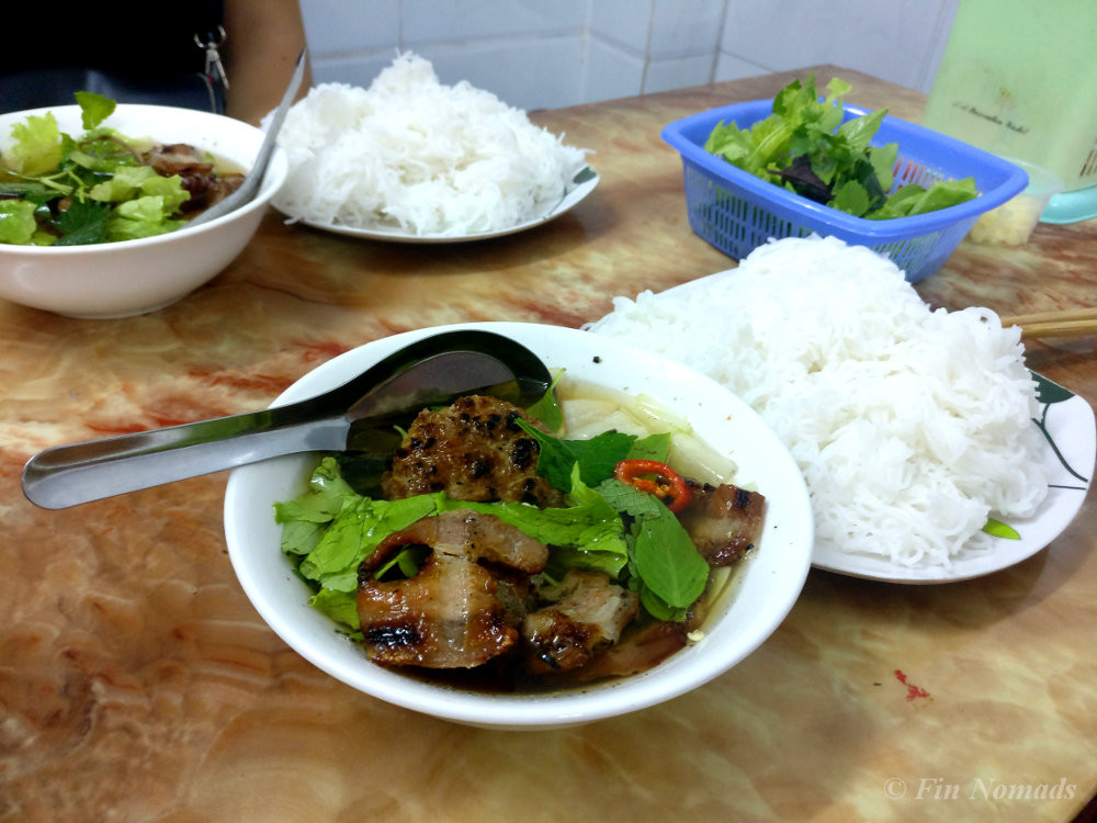 budget food vietnam