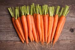 Cà rốt giúp xóa nếp nhăn vùng mắt hiệu quả