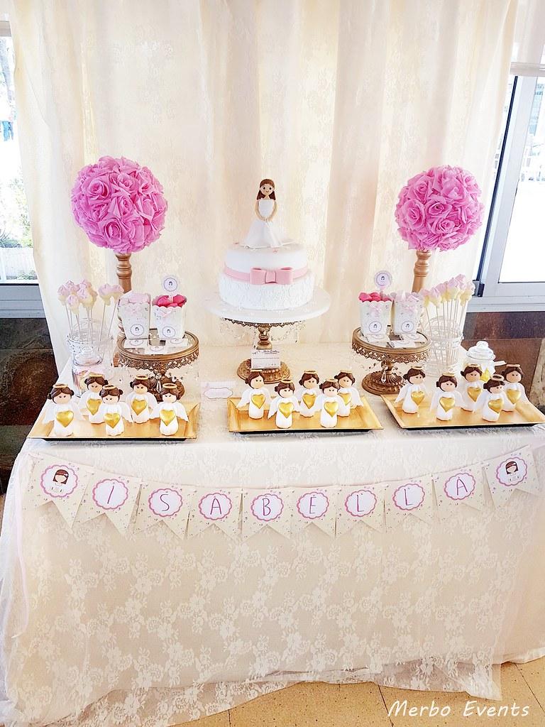 Mesa dulce comunion dorada y rosa MErbo Events