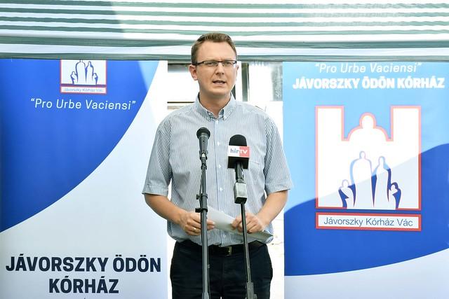 A váci kórház fejlesztéseinek átadási ünnepsége