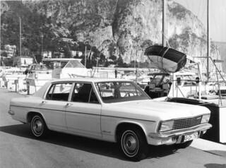 Opel_Admiral_1969_R1