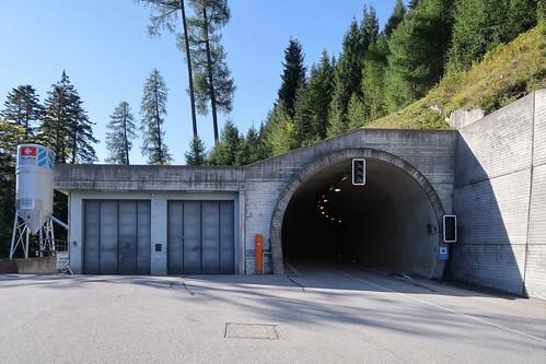 Versam/Tenna - Aclatobel Tunnel (Intro)