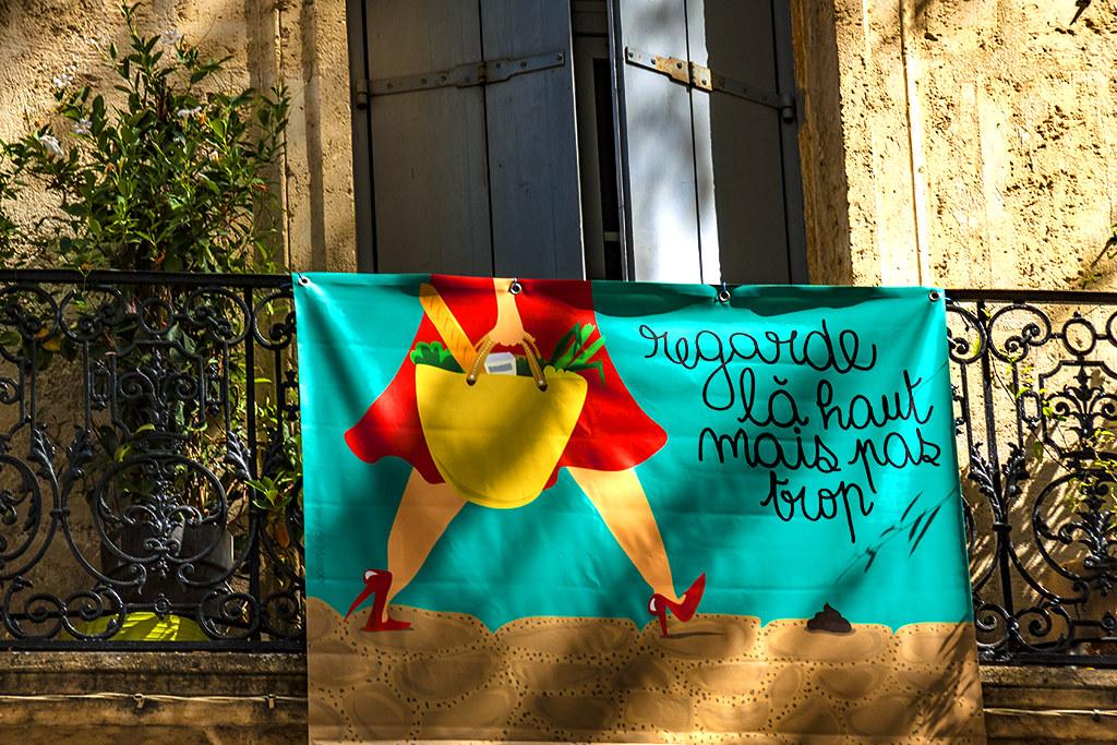regarde la haut mais pas trop--Montpellier