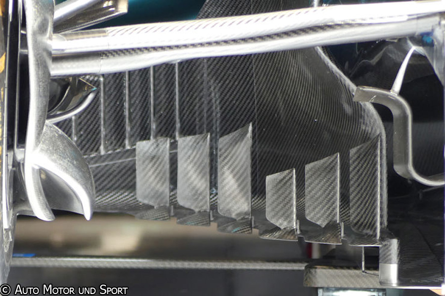 w08-bargeboards