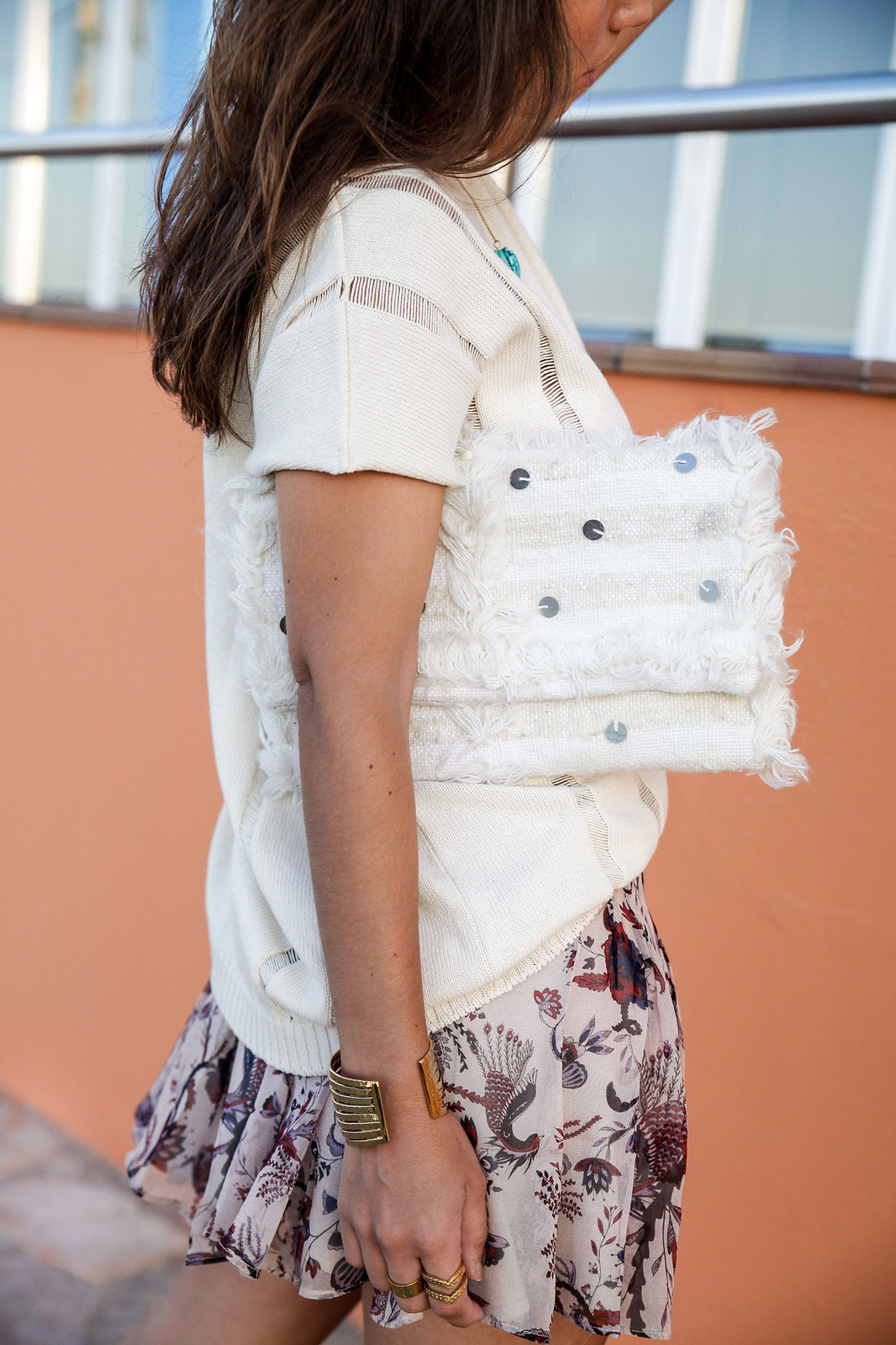 09_blusa_punto_falda_flores_summer_outfit_theguestgirl_rüga_schade_jewels_steve_madden_.magali_pasacal_influencer_barcelona_blogger