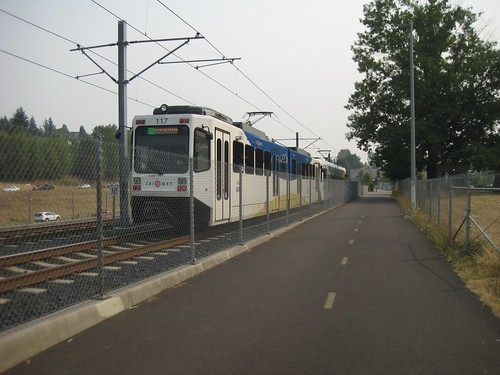 A Clackamas train overtakes me just north of Fuller Street station