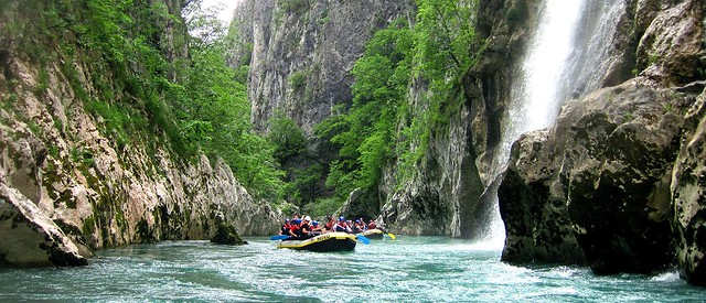 Canyon Neretva rafting down