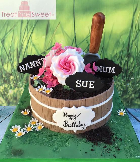 Cake by Treat me Sweet