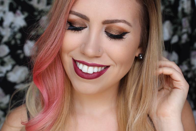 Textured Metallic Bronze Eyeshadow Berry Lip Fall 2017 Beauty Makeup Trends The Opposite of No-Makeup Makeup