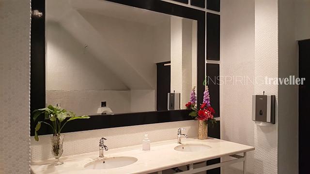 toilet-umum-menumbing-hotel