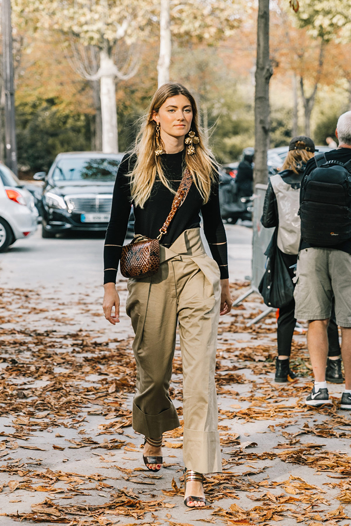Paris fashion week street style trend style outfit 2017 accessories PFW10