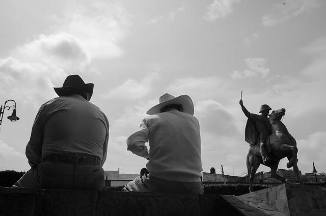 In reverence of Allende, Nikon D7000, AF-S DX Nikkor 18-300mm f/3.5-6.3G ED VR