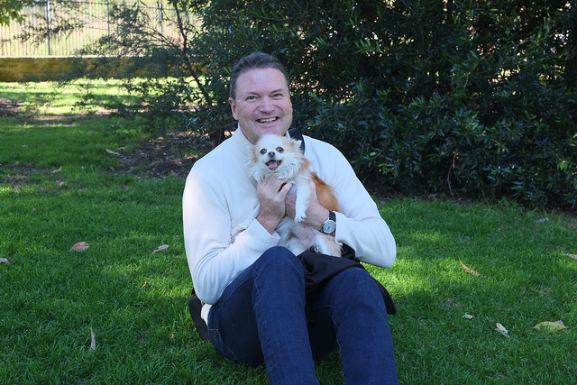 Happy puppy and daddy, Fujifilm X-Pro1, Touit 1.8/32