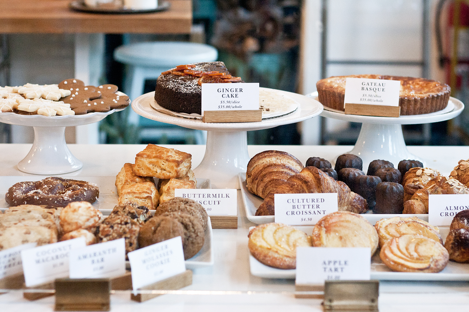 05seattle-londonplane-pastries-travel